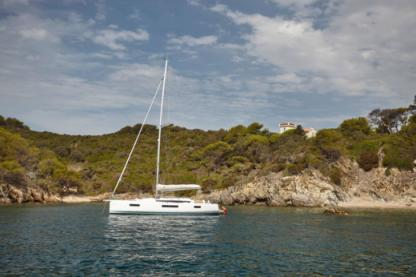 Rental Sailboat Jeanneau Sun Odyssey 440 Portisco