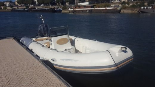 RIB Zodiac MEDLINE 2 LTD 150 CV for hire