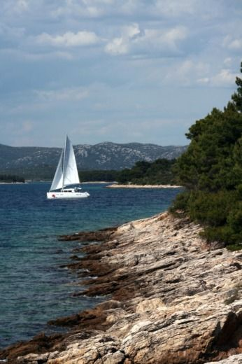 Charter catamaran in Murter-Kornati peer-to-peer