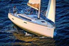 Jeanneau Sun Odyssey 389 in Le Marin for rental