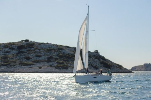 Jeanneau Sun Odyssey 349 in Ploče for rental