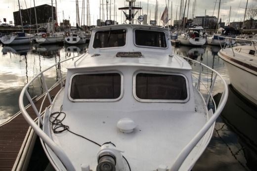Volvo Cruiser in Le Havre for hire