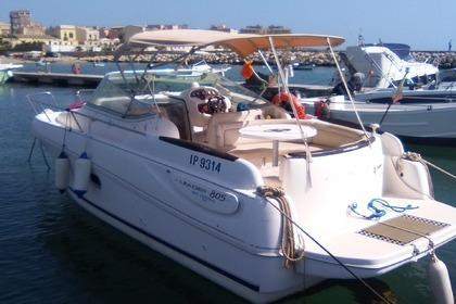 Rental Motorboat Jeanneau Leader 805 Syracuse
