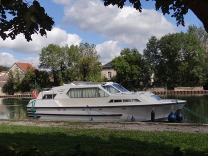 Rental Houseboat Broom Tamaris L'viris 2 Montbard