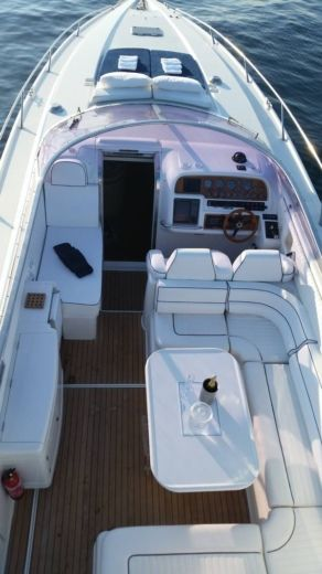 Motorboat SUNSEEKER 48 SUPERHAWK for hire
