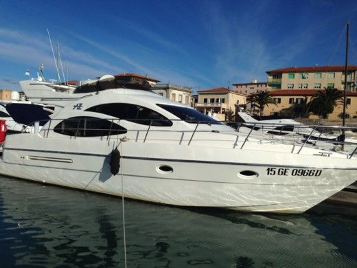 Azimut Azimut 42 in Rosignano Solvay for hire