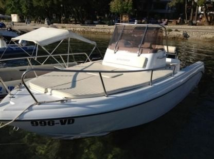 Charter Motorboat Reful Hm 22 Flyer Murter