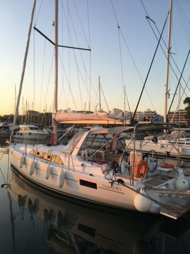 Beneteau Oceanis 41.1 in Athens for hire