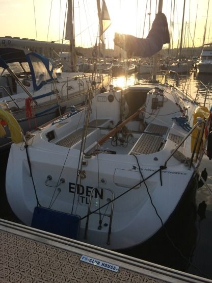 Charter Sailboat Beneteau First 31.7 Marseille