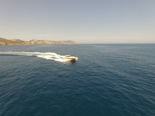 Motorboat Baia One 43 for hire