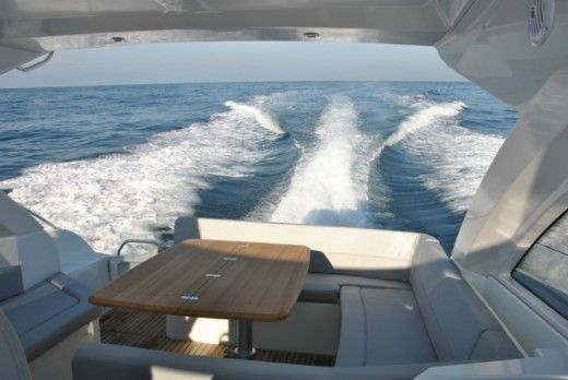 Motorboat BENETEAU FLYER GT 38 peer-to-peer