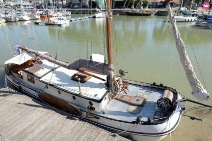 Rental Sailboat Aangebracht Pays Bas Tjalk 50Pieds Rochefort