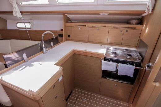 Sailboat Jeanneau Sun Odyssey 42I for rental