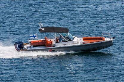 Rental Motorboat Axopar 28 Tt Catania