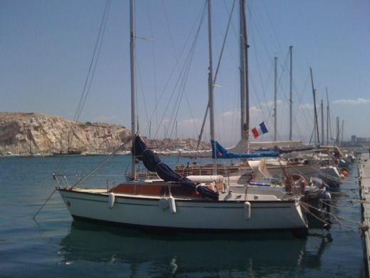 Charter sailboat in Marseille