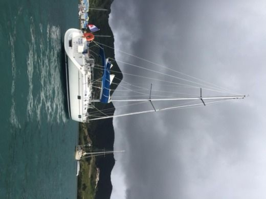 BENETEAU OCEANIS 440 in Marigot for hire
