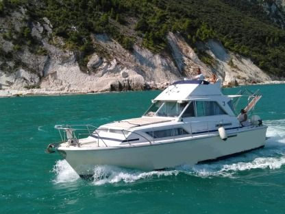 Charter Motorboat Chris Craft 10 Mt Ancona