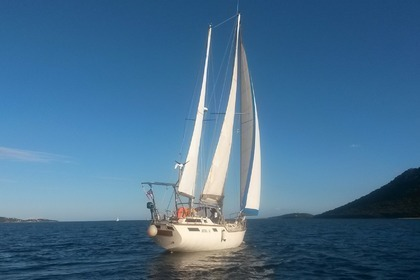 Location Voilier alpha yacht ketch Porto-Vecchio