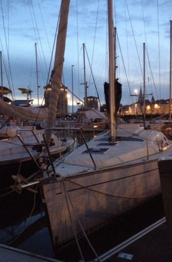 KIRIE Feeling 30 in La Rochelle peer-to-peer