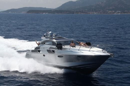 Motorboat RIZZARDI INCREDIBLE 45 for hire