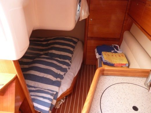 Motorboat BAVARIA 27 Sport for hire