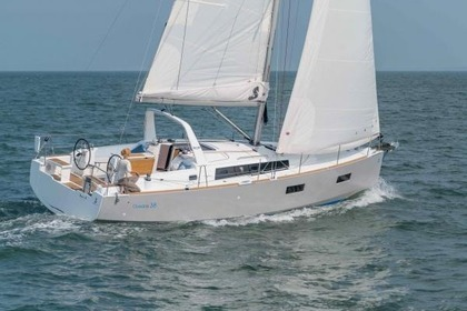 Hire Sailboat BENETEAU OCEANIS 38 Barcelona