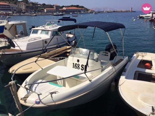 Rental motorboat in Senj
