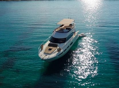 Rental Motorboat Prestige 500 Fly Cannigione