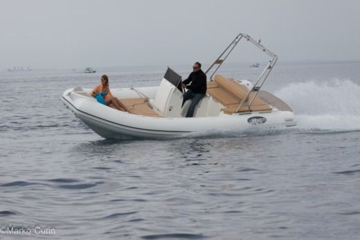 RIB Manta 700 for hire