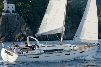 Rental Sailboat BENETEAU OCEANIS 45 Barcelona