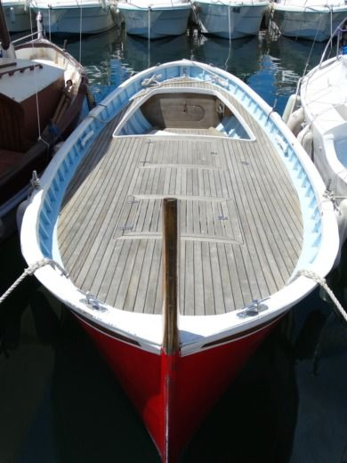 Motorboat Di Capua Gozzo, Barquette, Pointu for hire
