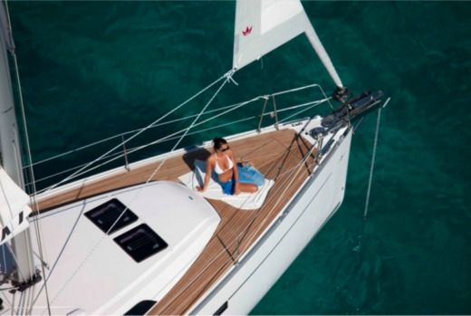 Bavaria 41 in Latsi for rental