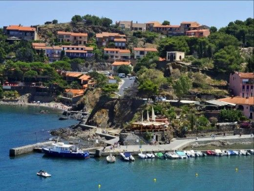 DIPOL GLASS Cala 450 in Collioure for hire