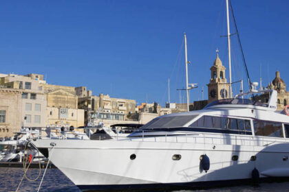 Hire Motorboat cantiere diano diano 22 Malta
