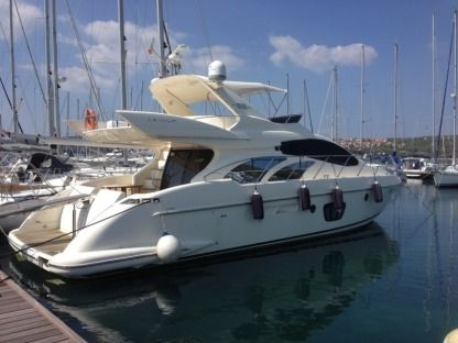 Rental Motorboat  Azimut 55 Evolution Punat