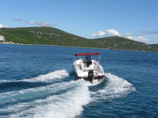 Reful Flyer 22 Open in Biograd na Moru for rental