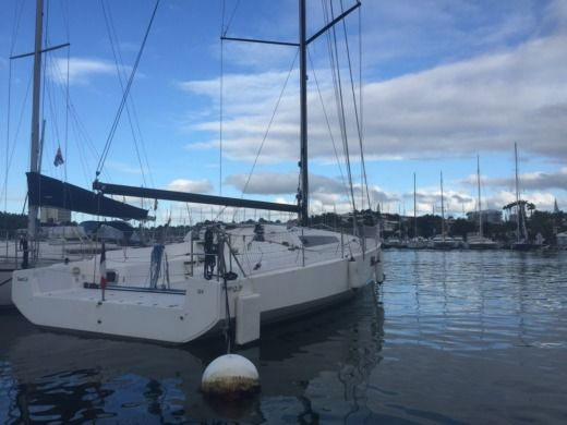 Sailboat Structures Pogo 12.50 for hire