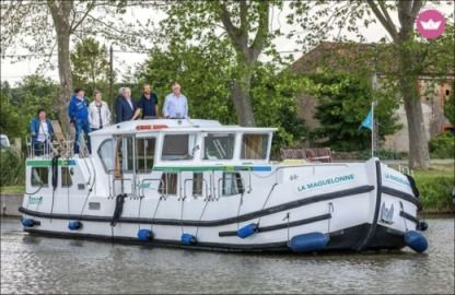 Charter Houseboat Pénichettes® P1500 Flying Bridge Briare