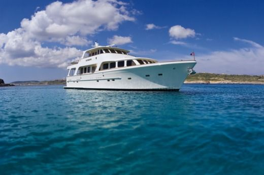 Luxury Yacht 24m in Malte for hire