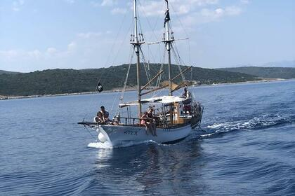 Rental Motorboat Custom Built Vintage Cruiser Crikvenica
