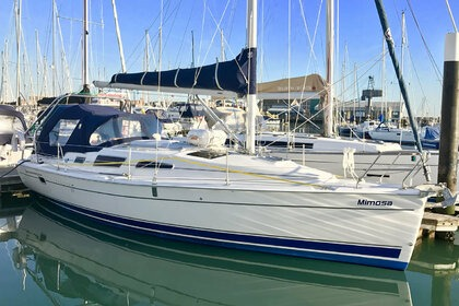 Charter Sailboat Legend 33 Gosport