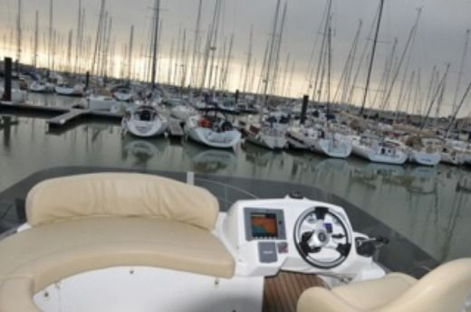 BENETEAU ANTARES 36 in La Rochelle for hire