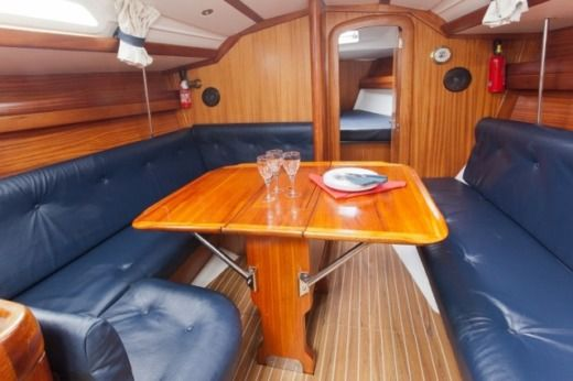 Dufour Dufour 35 Classic Heron in Granville for hire
