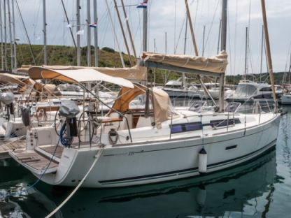 Charter Sailboat Dufour 335 Grand Large Primošten