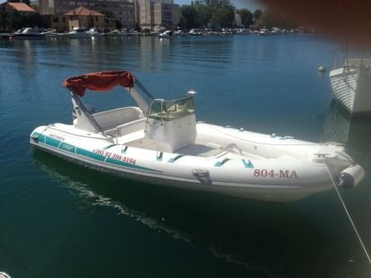 Location Semi-rigide Italboat Stingher 620 Omiš