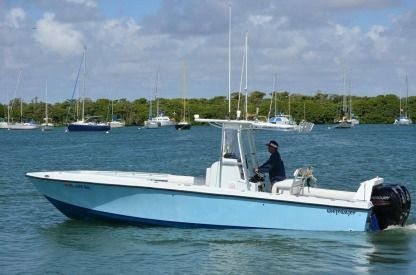 Charter Motorboat Whitewater 28' Costom Miami