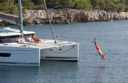 Charter Catamaran Fountaine Pajot Helia 44 Quatuor Evolution Road Town