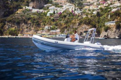 Location Semi-rigide Predator 5,40 Positano