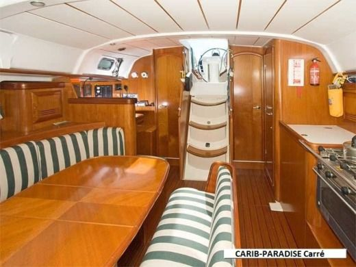 Beneteau Oceanis 411 in Pointe-a-Pitre for hire