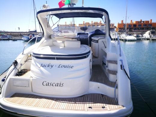 Motorboat Cranchi Atlantis 42 for hire